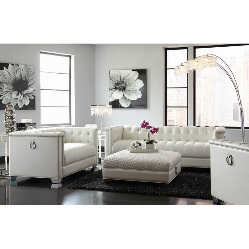 Chaviano Collection's Living Room Set