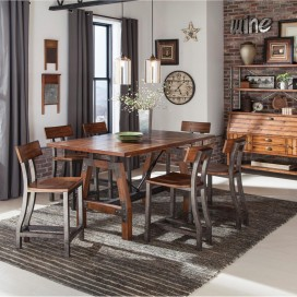 Holverson Collection's Dining Set